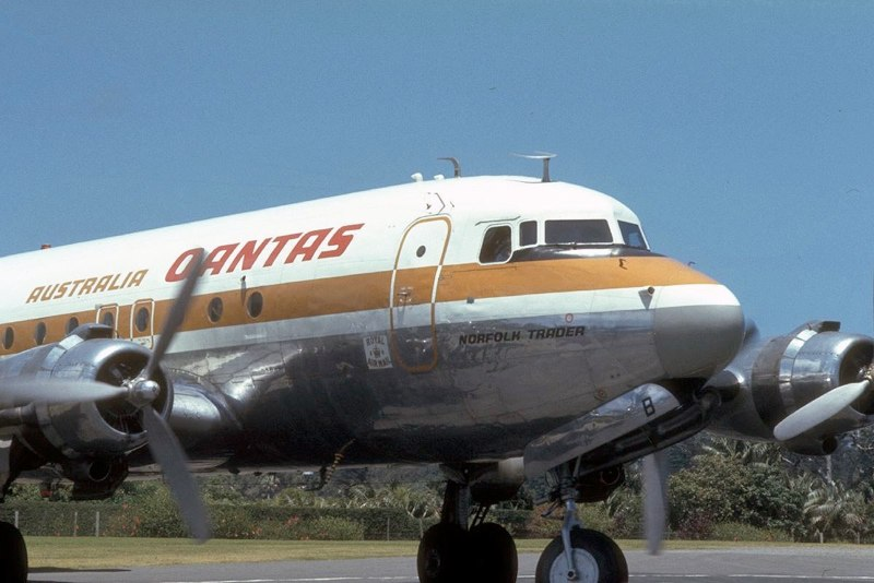 http://www.stephencodrington.com/Aviation/Photos_of_Planes/Pages/Airliners_1970s_and_1980s_files/Media/19761221-DC4-NORF-b/19761221-DC4-NORF-b.jpg?disposition=download